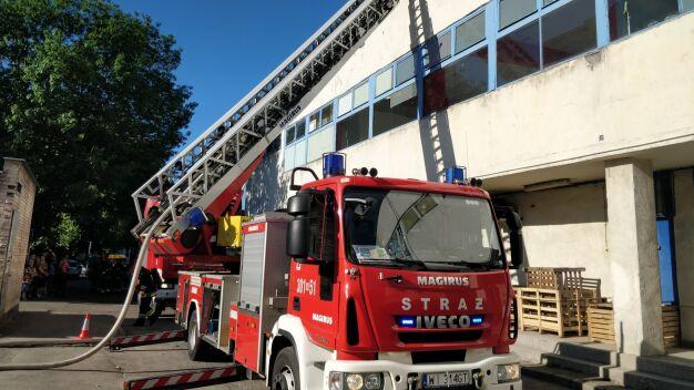 Pożar przy Kondratowicza, cztery zastępy strażackie w akcji
