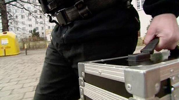 Policja poszukuje 41-letniego konwojenta TVN24