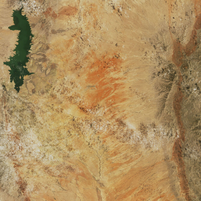 Zdjęcie satelitarne rzeki Rio Grande w pobliżu zbiornika retencyjnego Elephant Butte z 1986 roku (NASA)